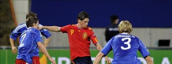 0-4. El campeón arranca con firmeza y Villa se queda a un gol de Raúl