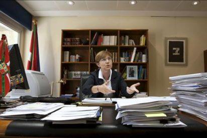 La consejera de Empleo afirma que el Gobierno no va a dar nada al PNV que niegue al Gobierno Vasco