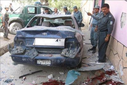 Mueren 4 policías y 3 civiles en una explosión en el noreste de Afganistán