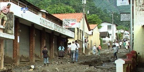 Al menos diez personas mueren en Guatemala sepultadas por aludes de tierra