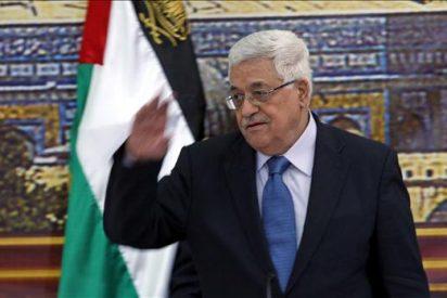 Abbas llega a Trípoli para hablar con Gadafi sobre la negociación con Israel