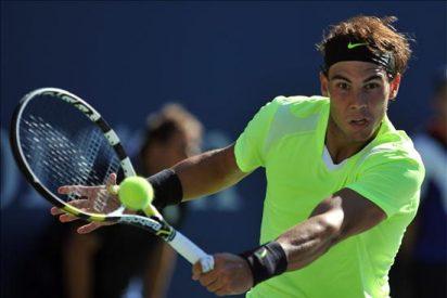 Nadal progresa en su juego y se mete en los octavos tras superar a Simon