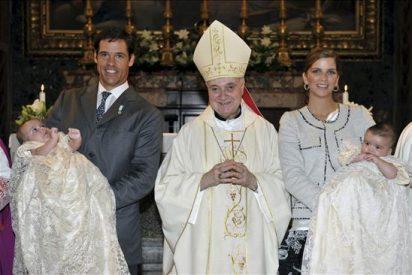 Los mellizos de Luis Alfonso de Borbón y Margarita Vargas, bautizados en el Vaticano