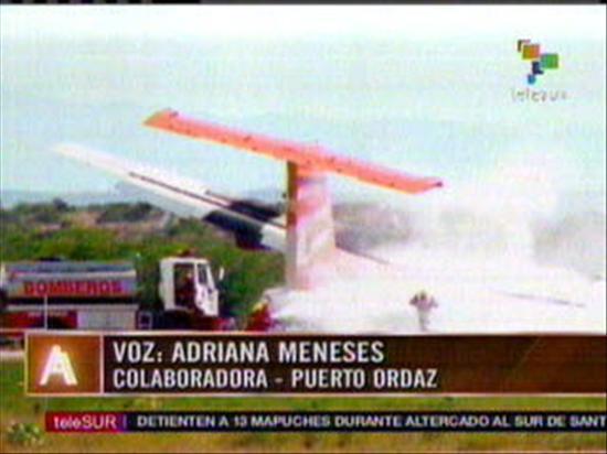"""Accidente aéreo en Venezuela deja unos 23 sobrevivientes """"malheridos"""""""