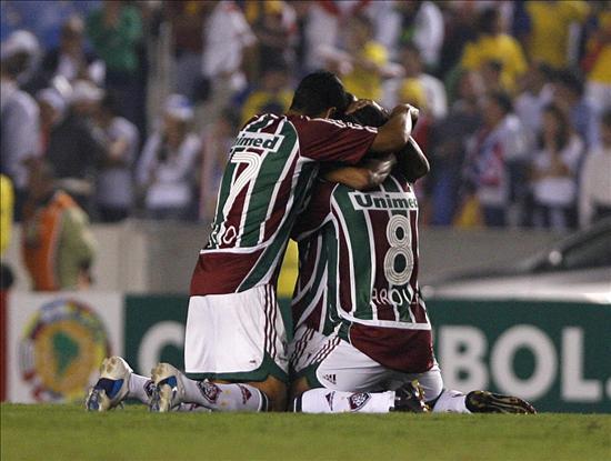 Fluminense y Corinthians protagonizan el duelo por el liderato en Brasil