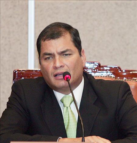 La mayoría de los ecuatorianos está en contra de la posible revocatoria de mandato de Correa