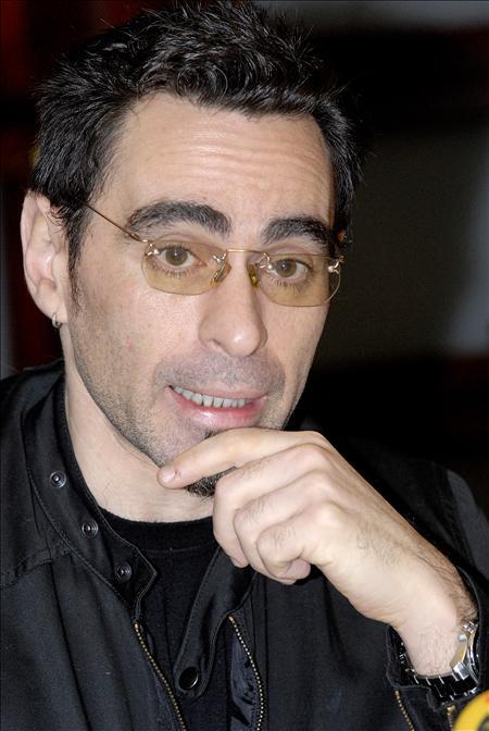 El escritor argentino Federico Andahazi denuncia amenazas