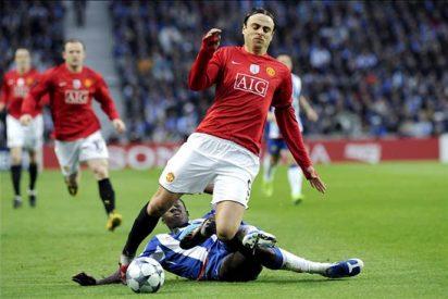 3-2. Tres goles de Berbatov dan al Manchester el duelo contra el Liverpool