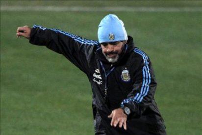 Maradona quiere continuar en el cargo de seleccionador argentino