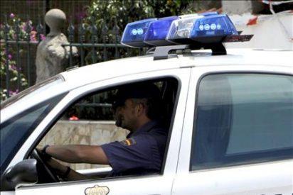 Hallan el cadáver de una mujer en Córdoba y trasladan al hospital al presunto agresor