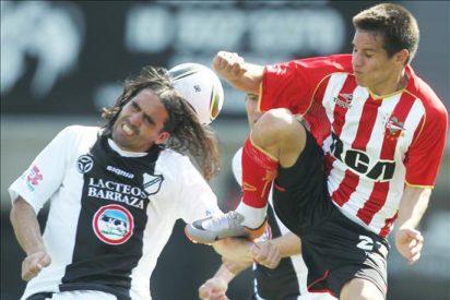 San Lorenzo es líder por los tropiezos de Estudiantes, River y Vélez