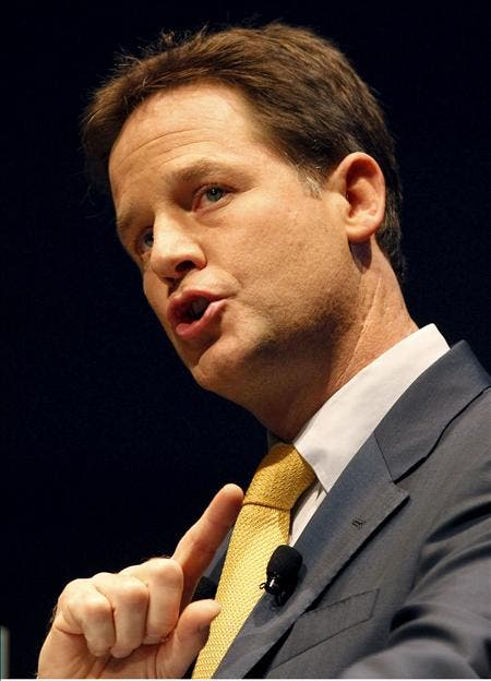 Clegg pide a sus correligionarios calma y apoyo para cambiar el Reino Unido
