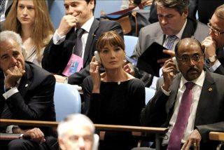 Carla Bruni defiende a Michelle Obama