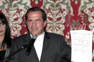 El canciller de Ecuador denuncia que crece el gasto militar y no el social