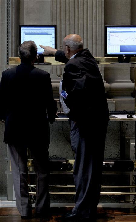 La Bolsa española sube el 0,18% con ayuda de las subastas de deuda europea