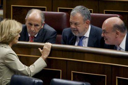 Salgado anuncia que la agencia japonesa JCR califica la deuda española con una triple A