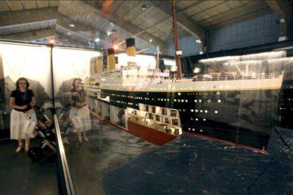 El hundimiento del Titanic se debió a un error del timonel, según la nieta del segundo oficial del buque