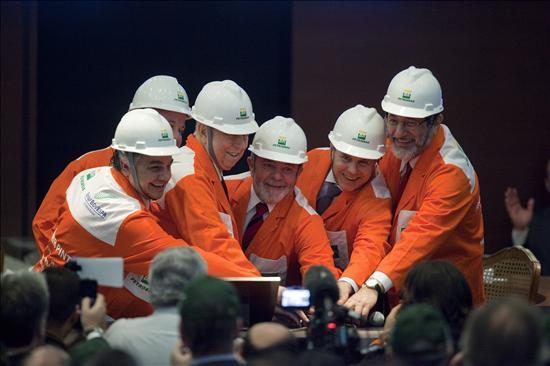 Lula destaca el momento auspicioso de Brasil con la histórica emisión de Petrobras