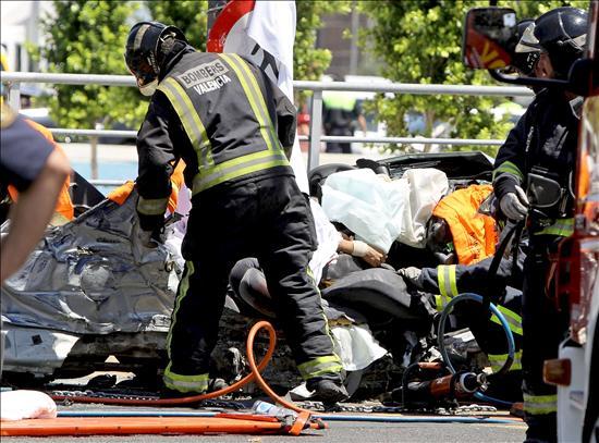 Dos muertos y tres heridos graves en un choque frontal en la localidad valencana de Vilamarxant