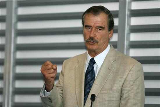 Vicente Fox ve posible que el PRI reconquiste la presidencia mexicana en 2012