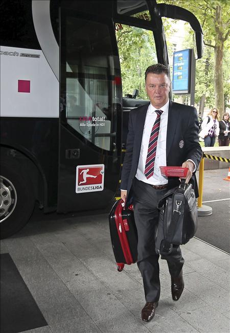 El Bayern anuncia la renovación de Van Gaal en medio de la crisis