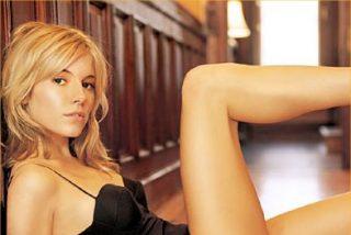 Sienna Miller contempla demandar a 'News of the world' por espionaje