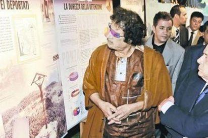 """Gaddafi amenaza a la UE: """"O nos dan 5.000 millones al año o Europa será negra"""""""