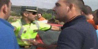 'Hijos de puta, tiradlos por el puente'