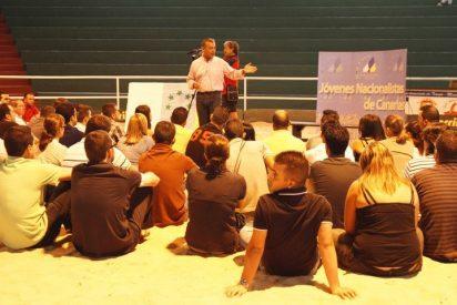 Rivero abraza las siete estrellas verdes en clave electoralista