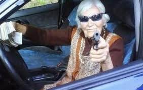 Abuela justiciera mata a tiros a peligroso delincuente en México