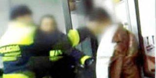 Investigan la presunta agresión de un agente a un inmigrante esposado en Alcorcón