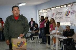 Hugo Chávez niega haber perdido mayoría en el Congreso