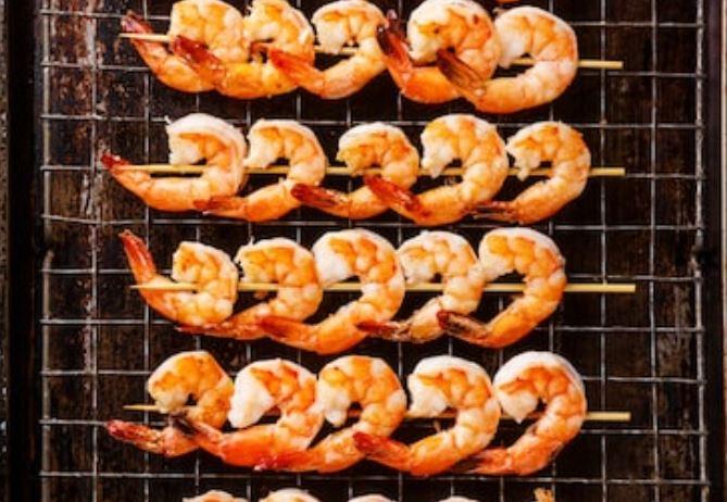 Gambas al horno con salsa picante