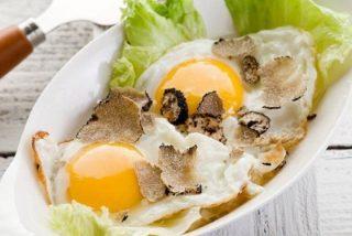 Cómo hacer huevos trufados
