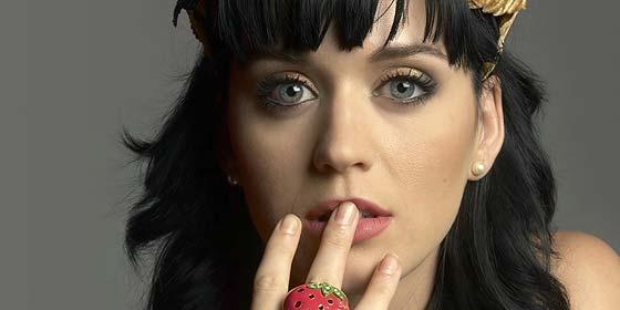 Katy Perry se despide de su soltería con Rihanna