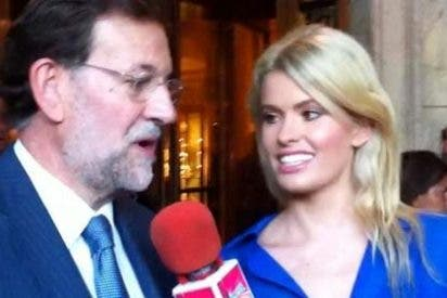 """Mariano Rajoy se 'derrite' con la maciza reportera de """"Sálvame"""""""
