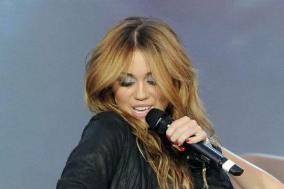 Miley Cyrus, considerada una de las jóvenes peor vestidas