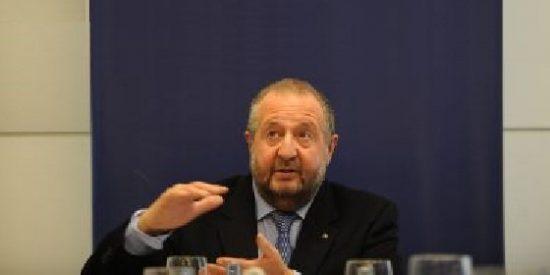 El PP acusa al alcalde lucense de financiar su campaña con dinero público