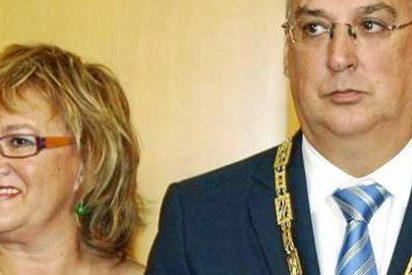 El alcalde tránsfuga de Benidorm ha «colocado» a 40 amigos y familiares en un año de mandato