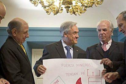 Sebastián Piñera recibe a los supervivientes de la 'Tragedia de Los Andes'
