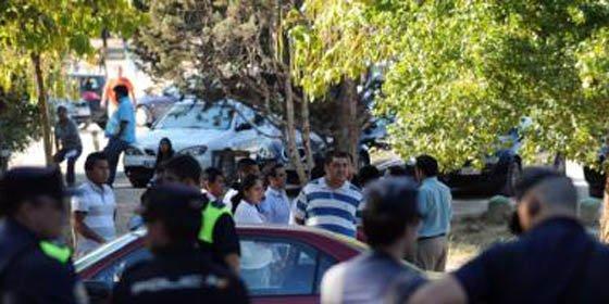 Batalla campal entre ecuatorianos y Policía Municipal en la Casa de Campo deja cuatro agentes heridos