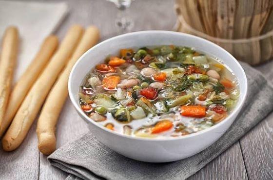 Sopa minestrone vegana