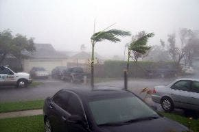 Tormenta tropical Matthew se acerca a frontera entre Honduras y Nicaragua