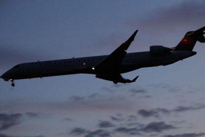 Delta Air Lines anuncia cargas de 216 millones por operaciones de recorte de deudas