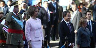 Los silbidos a Zapatero y la ausencia de la bandera de Venezuela marcan el desfile por la Fiesta Nacional