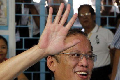 Aquino ofrece amnistía a soldados que participaron en tres golpes de Estado