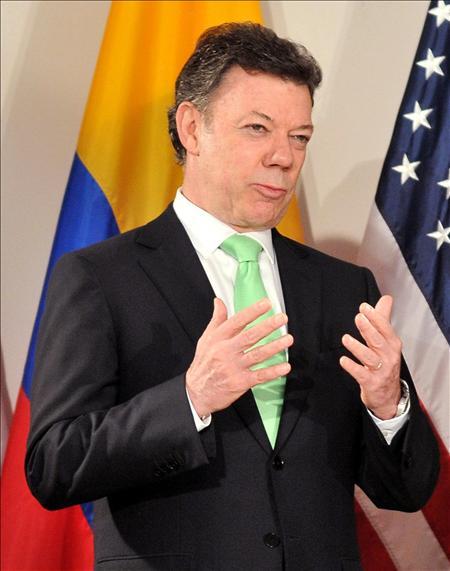 Colombia advirtió que sólo reconoce al gobierno de Rafael Correa en Ecuador