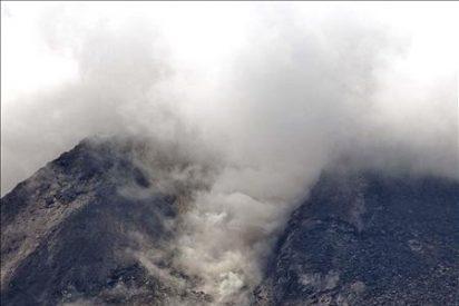 Ascienden a 25 los muertos por la erupción del volcán Merapi en Indonesia