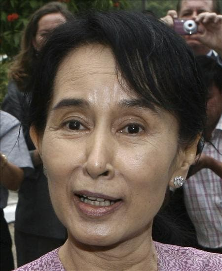 El partido de Suu Kyi afirma que los comicios prolongarán la dictadura
