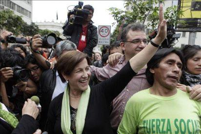 Lourdes Flores reconoce que Susana Villarán es la nueva alcaldesa de Lima